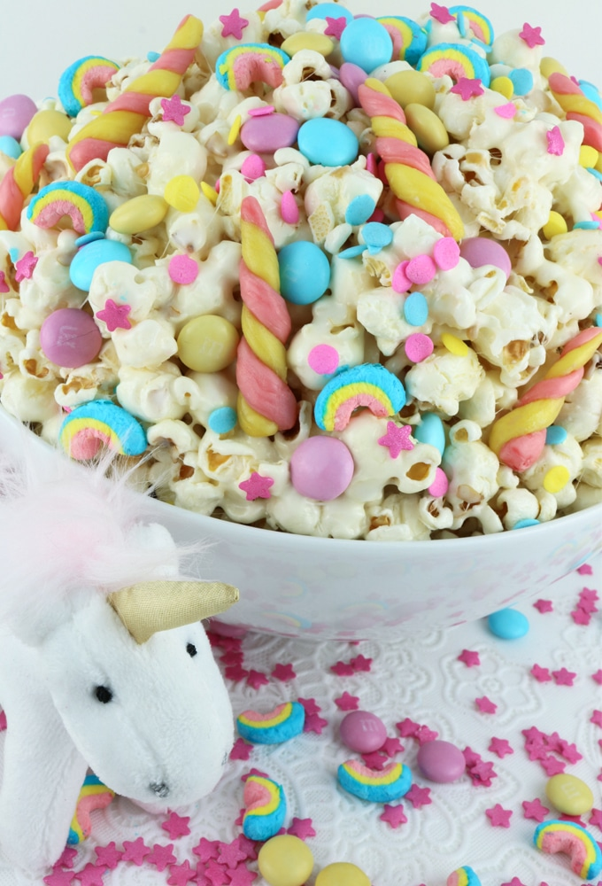Candyland Popcorn Party Ideas by Partymazing. Get in the mood of a Candyland colorful party with these partymazing ideas. Visit www.partymazing.com for more Party & Crafts for your next Party.