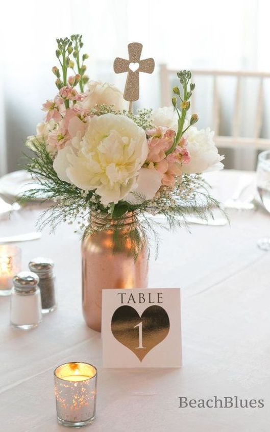Metallic Mason Jar Centerpice. Girl First Communion Party Ideas and Templates to make an amazing Party. Get inspired to create your own unforgettable celebration for your little girl.