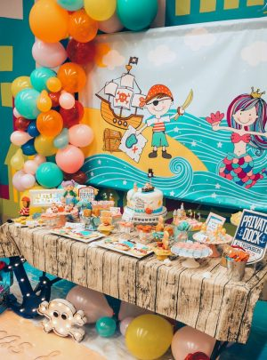BACKDROPS & PARTY SIGNS