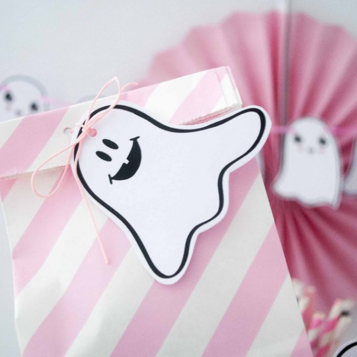 DIY-PINK-HALLOWEEN-PARTY-DECOR-10