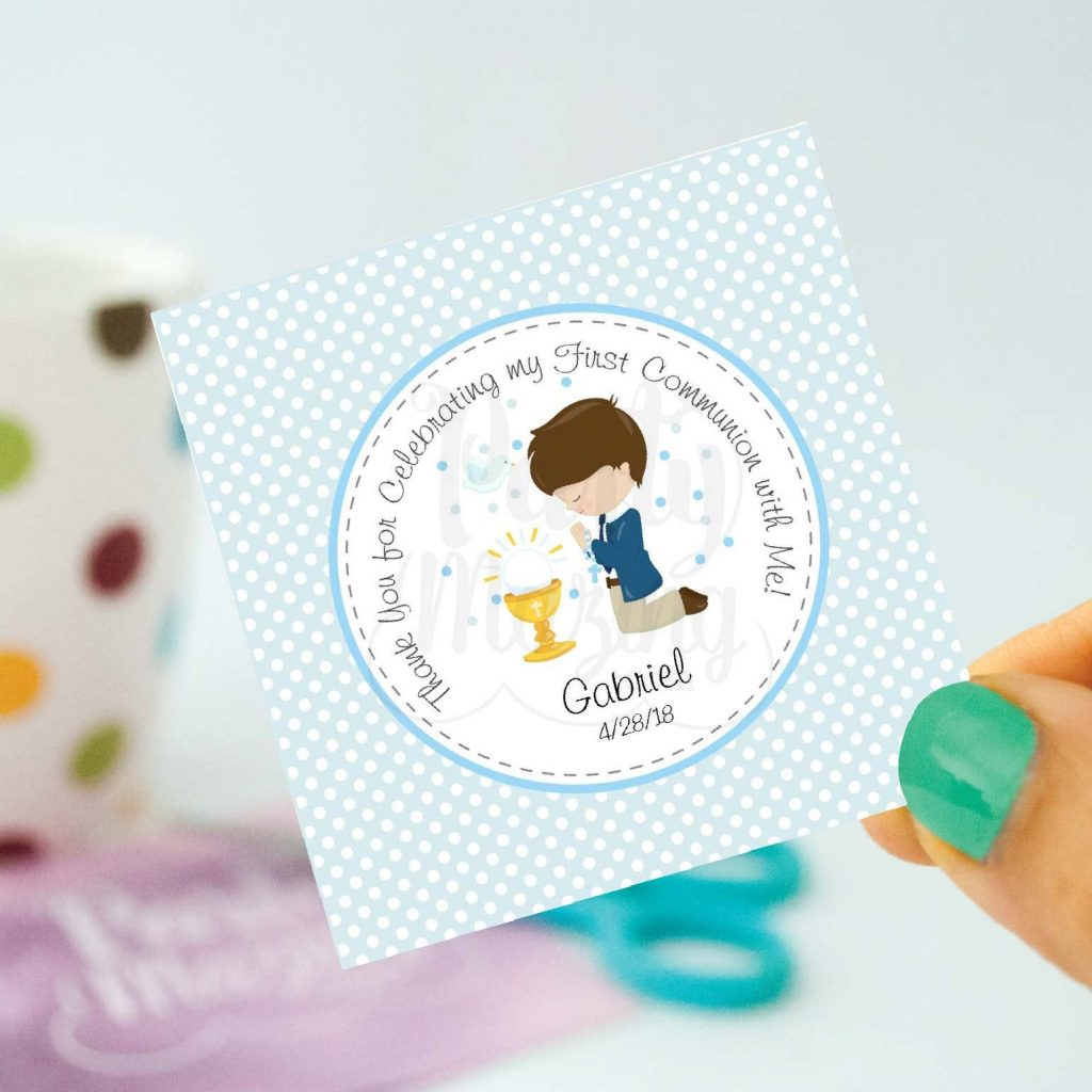 DIY FIRST COMMUNION TAGS- Are you planning your first communion as a girl or a boy? Here are 12+ first communion ideas to inspire you. Many DIY ideas so you can create an unforgettable event.
