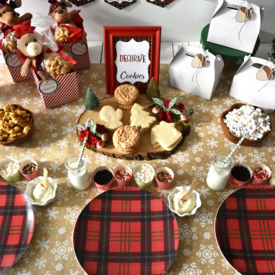 Christmas-cookie-decorating-party-11.jpg