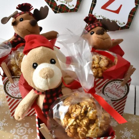 Christmas-cookie-decorating-party-18.jpg