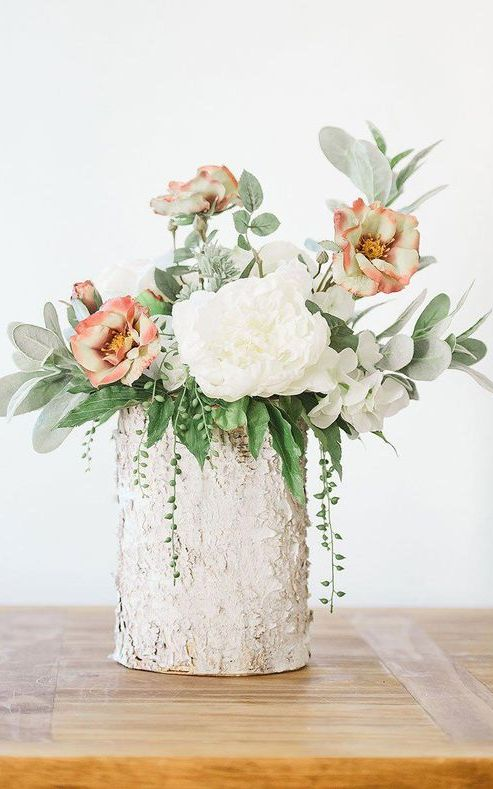 Peony Flower Centerpiece . Girl First Communion Party Ideas and Templates to make an amazing Party. Get inspired to create your own unforgettable celebration for your little girl.