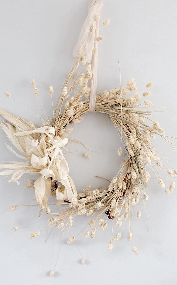 Autumn Wreath. Girl First Communion Party Ideas and Templates to make an amazing Party. Get inspired to create your own unforgettable celebration for your little girl.