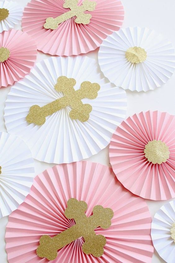 Paper Background, Girl First Communion Party Ideas and Templates to make an amazing Party. Get inspired to create your own unforgettable celebration for your little girl.