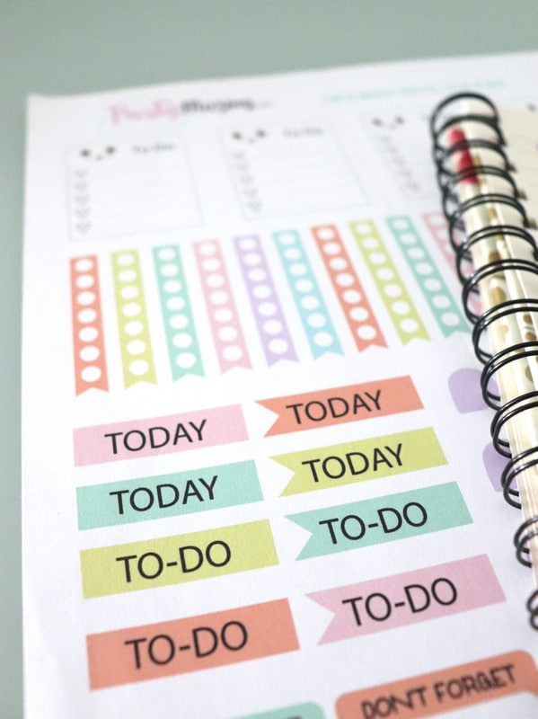 Free Kawaii Printable Planner Stickers - Create a colorful and fun planner to stay organized in 2021.