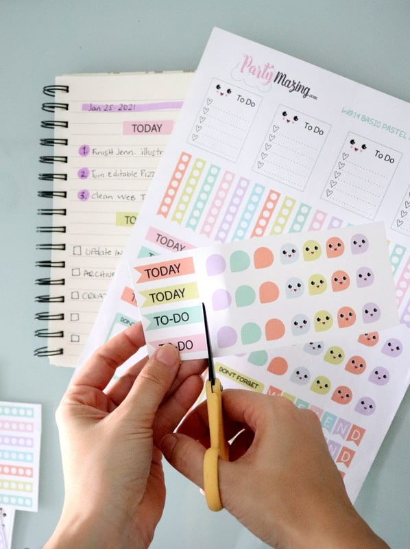 Print this Free Kawaii Printable Planner Stickers at home and Create a colorful and fun planner to stay organized in 2021.